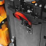 electric-forklift-trucks_RX50-10-16_battery_change-2