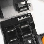 electric-forklift-trucks_RX50-10-16_battery_change-3